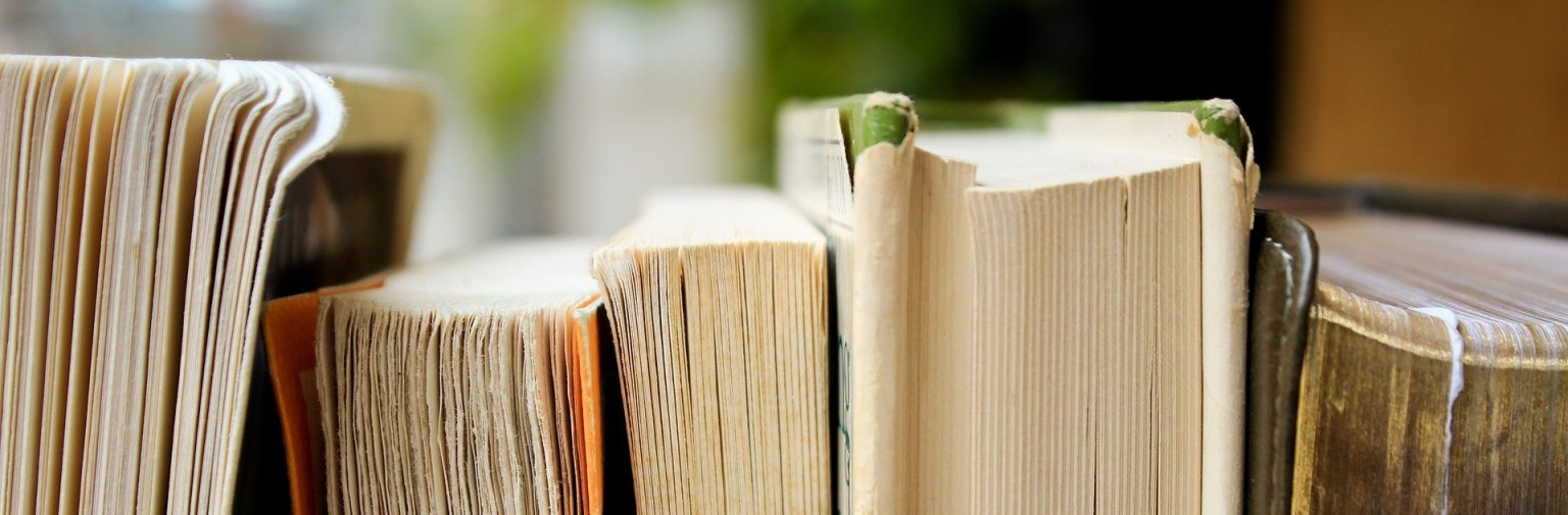 Books Ozka 1536x505