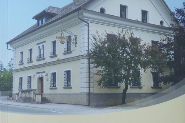 V Sokolskem domu: Predstavitev knjige VRNITEV, Kronika 1820 – 2020, Vladimir Ahlin – Premetovc – ODPADE